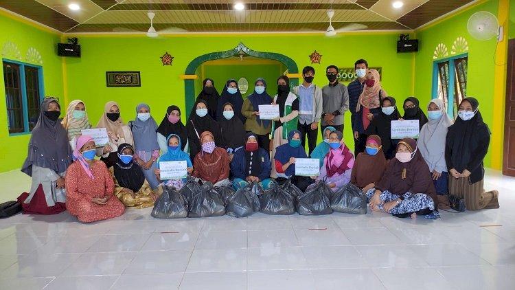 HIMA MPI Dan Organisasi Benih Kebaikan Memberikan Sembako dan Menyalurkan Donasi Wakaf Berupa Al-Qur'an